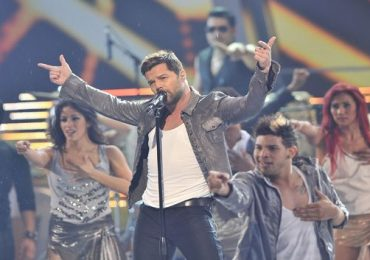 Ricky Martin  Claudia Leitte  (video oficial)